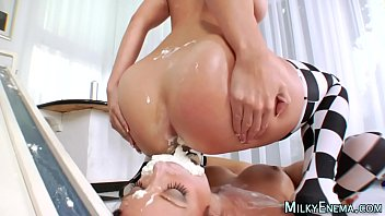 Fetish ho eats from ass